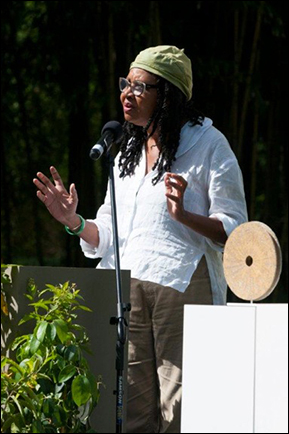 Jamaica Kincaid LHR_LandscapeAwards_0826
